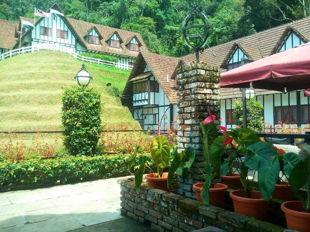The-Lakehouse-pub-Cameron-Highlands-Malaysia ] Travel Mermaid