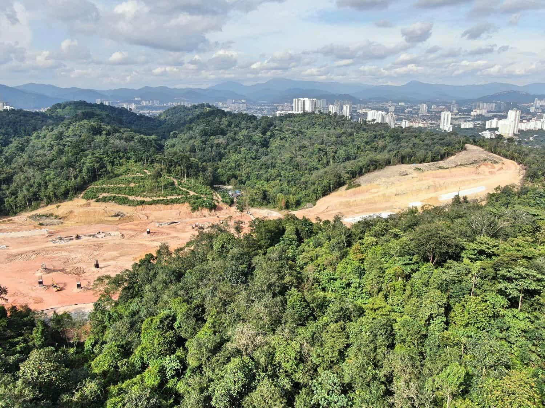aerial-shot-jungle-hiking-Kuala-Lumpur-Bukit-Kiara-trail-guide-TTDI-Mont Kiara-Malaysia ] Travel Mermaid