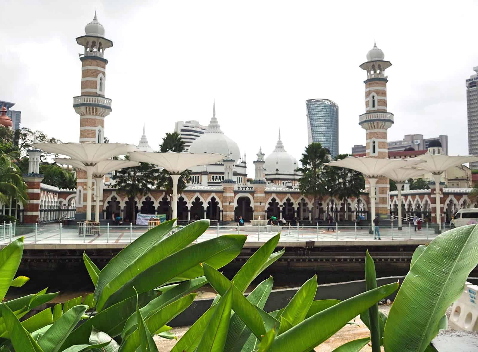 Masjid-Jamek-mosque-KLCC-Kuala-Lumpur-Malaysia ] Travel Mermaid