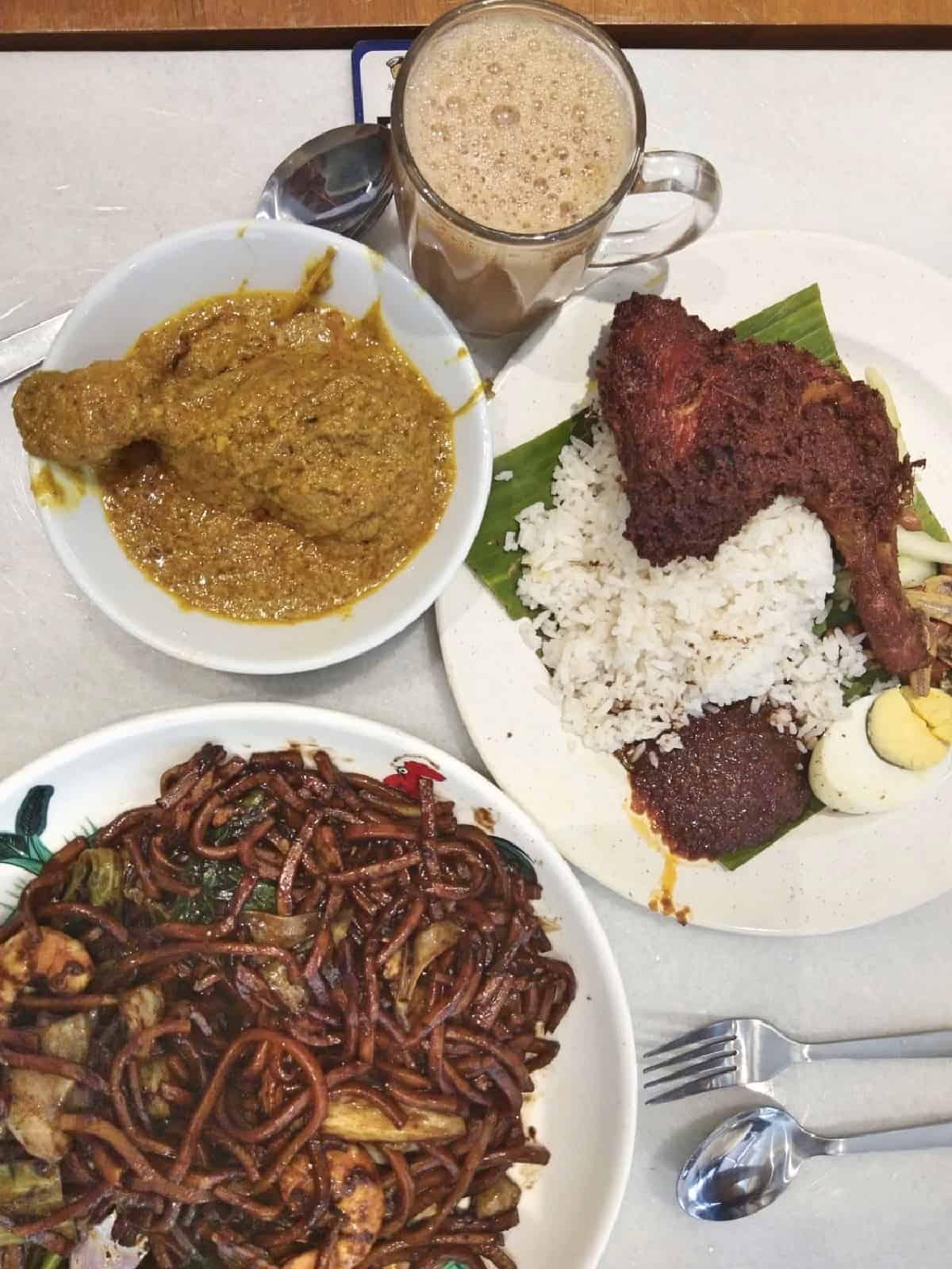 best-Malaysian-foods-to-try-in-Kuala-Lumpur-Ali, Muthu-&-Ah-Hoc-Kopitiam-Travel-Mermaid 01
