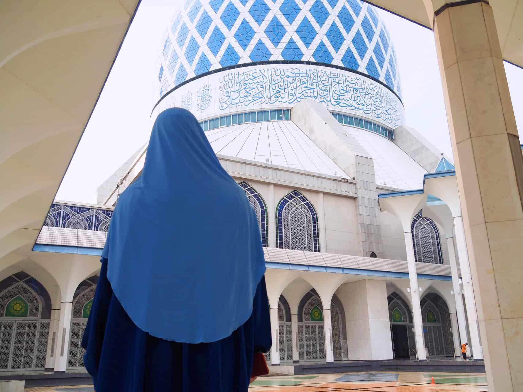 Sultan-Salahuddin-Abdul-Aziz-Blue-Mosque-Shah-Alam-Kuala-Lumpur-Malaysia-Travel-Mermaid