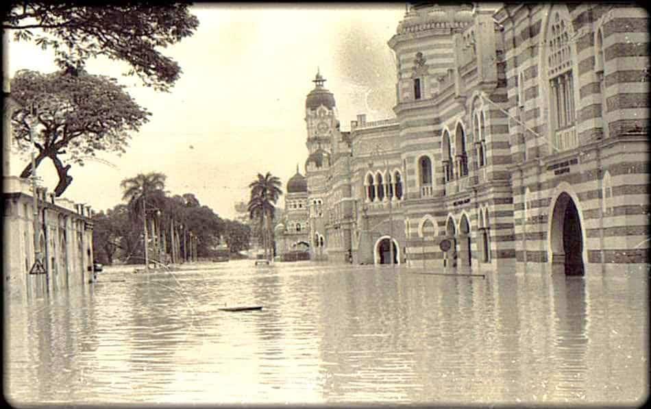 floods-1970s-Merdeka-Square-Kuala-Lumpur