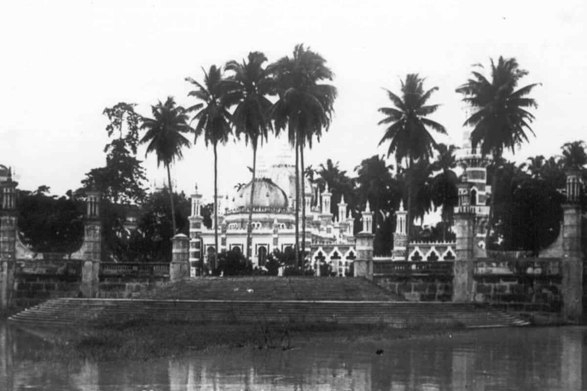 An old picture of Masjid Jamek mosque in Kuala Lumpur
